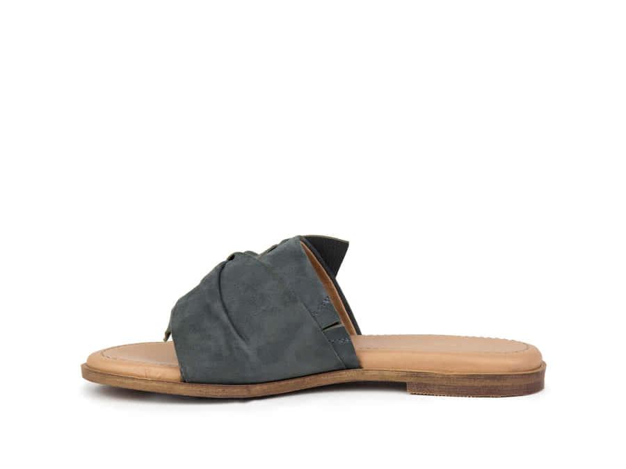 Crevo Aviana Suede Slide Sandal yW3OyixF2